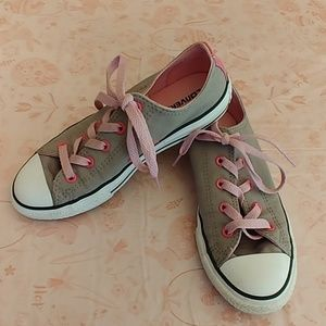 Girls size 2 Converse Sneakers Gray and Pink